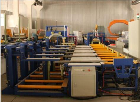 The packing line for wrapping bundles of aluminum profile